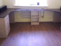 Мебель в детской стол