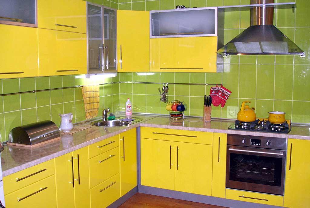 Кухня крашеный мдф желтый