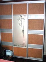 Шкаф-купе с делением ратанг