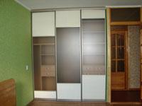 встроенная гардеробная комната шкаф купе в нише чешка